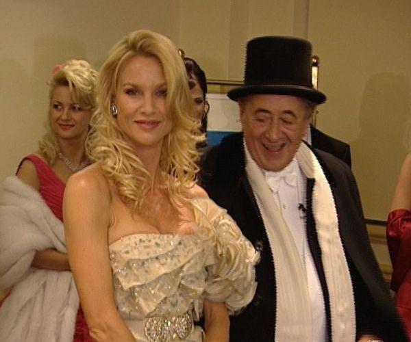 2009: Nicolette Sheridan