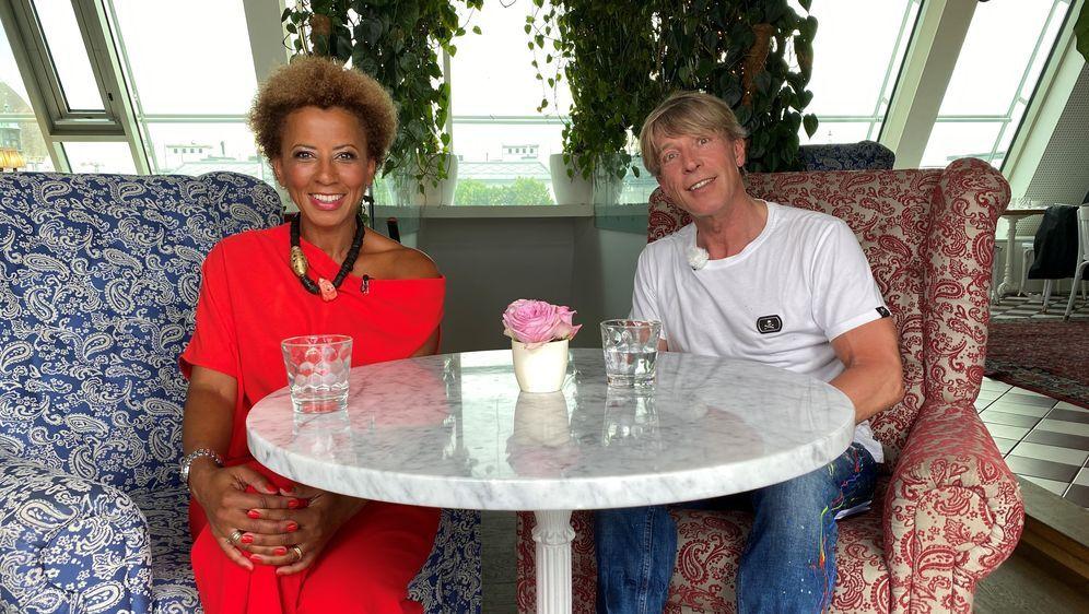 Heinzl und die VIPs - Sommergespräche - Bildquelle: Foo